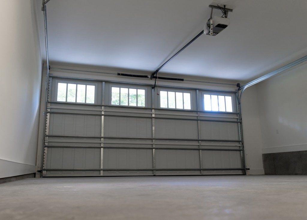 Screw drive garage door opener