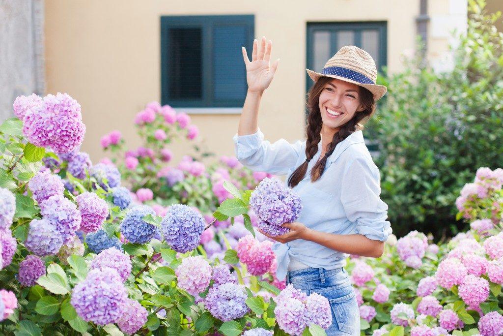 waving at neighbors