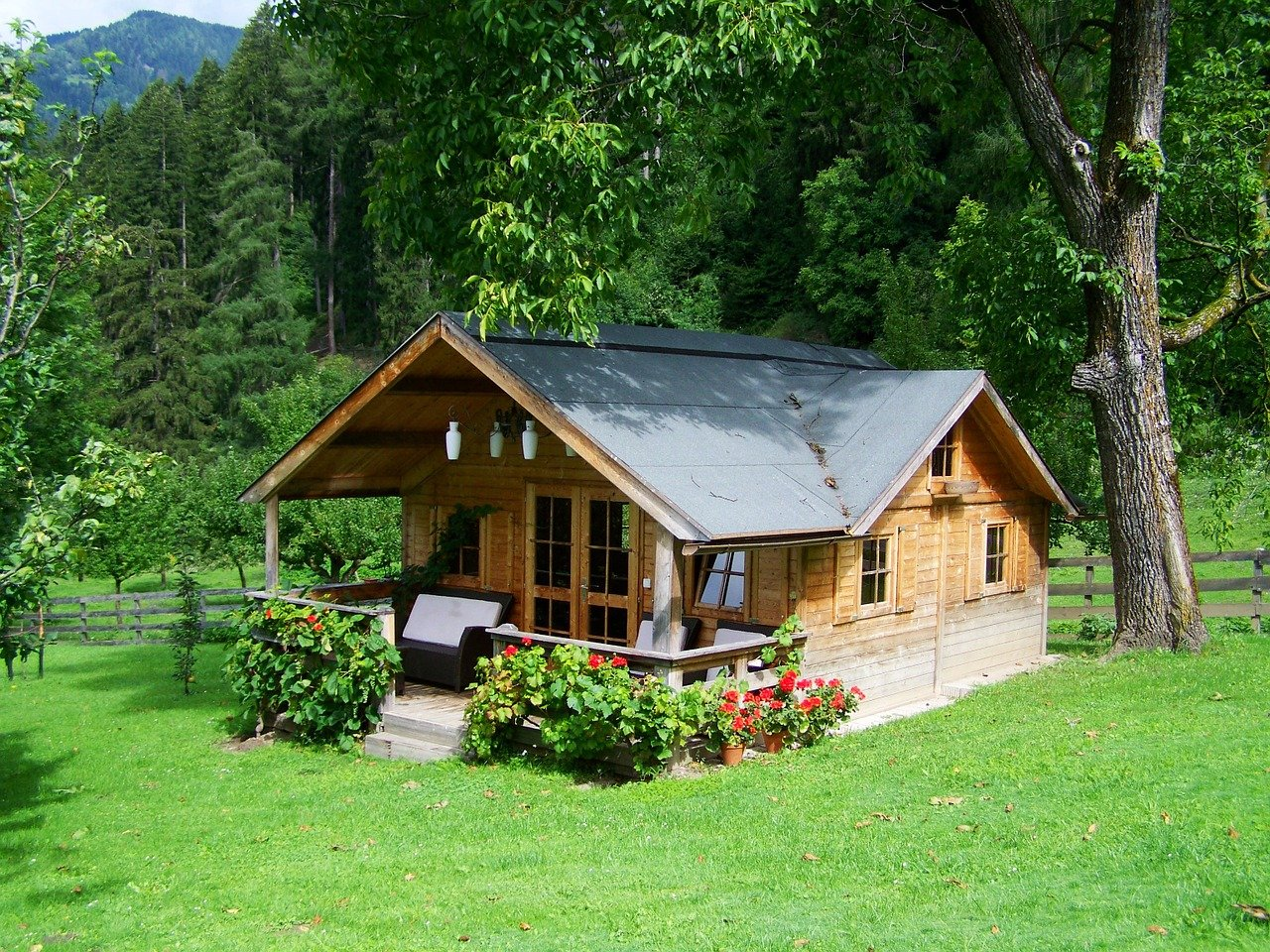 small off the grid house