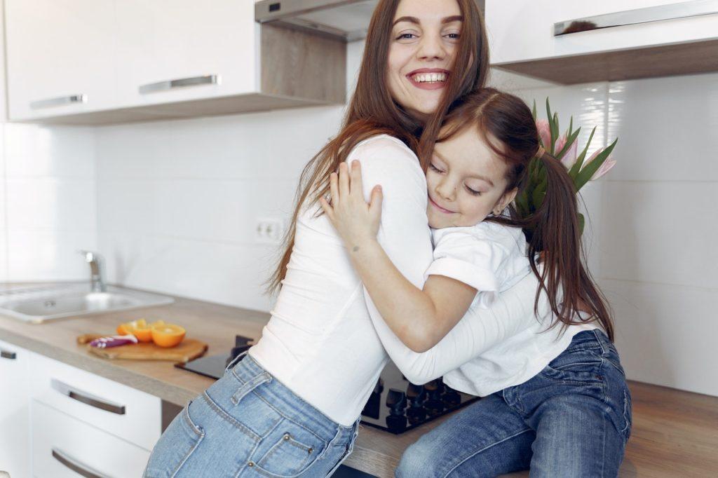 mom and child bonding