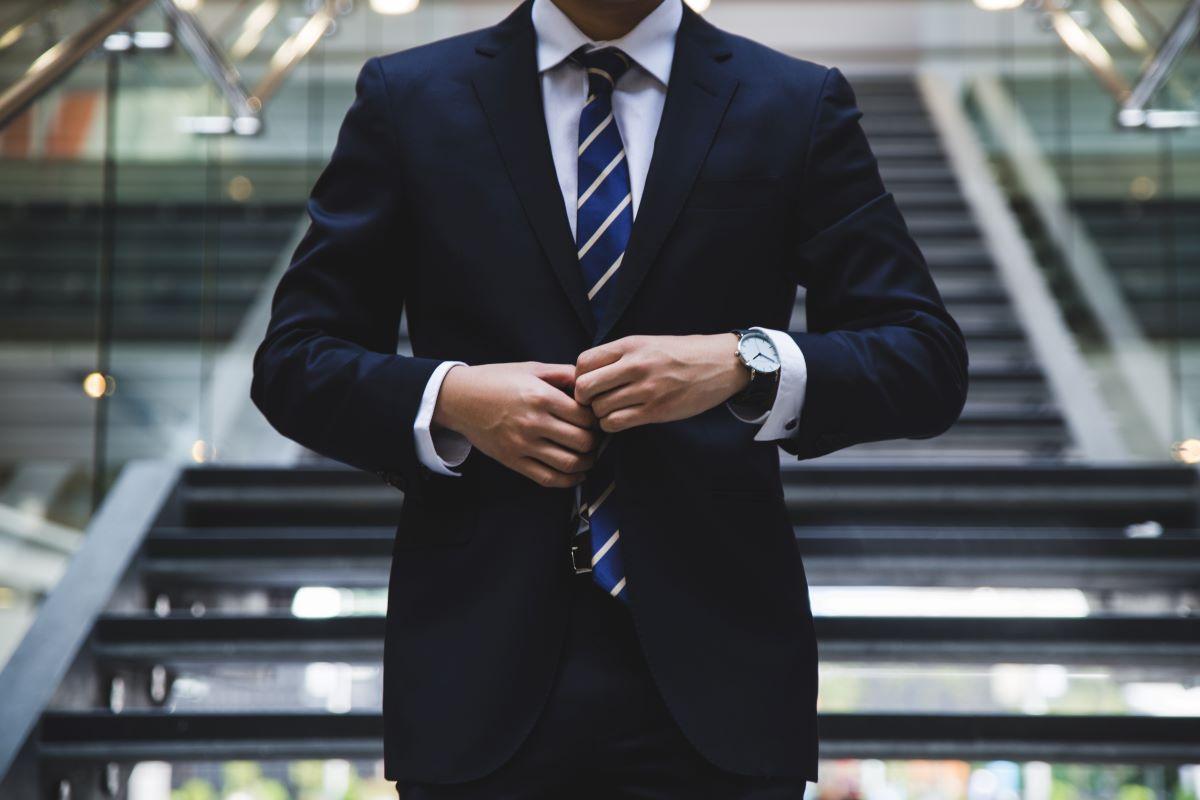 man confidence suit business