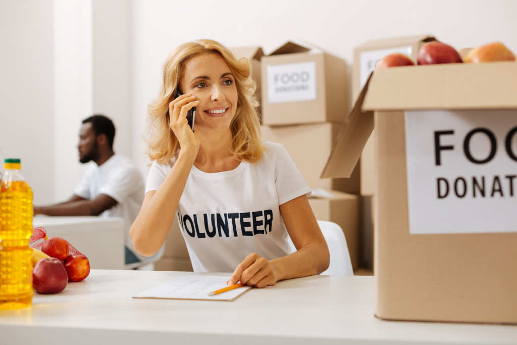 Three Ways to Give Back Without Spending Money